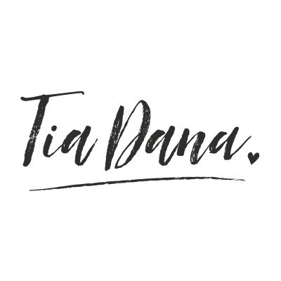 Tia Dana